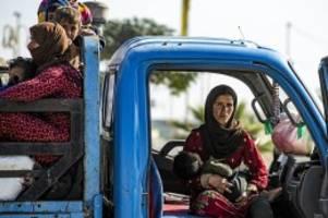 Syrien: Wie kurdische Familien die Flucht vor Erdogans Krieg erleben