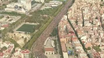 Video: Demonstranten legen Barcelona lahm