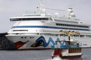 Aidaaura auf Weltreise: Ende der Hauptsaison der Kreuzschifffahrt in Warnemünde