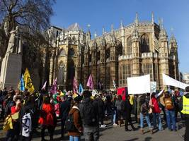: Klima-Aktivisten in Großbritannien vor Gericht – neue Aktionen geplant