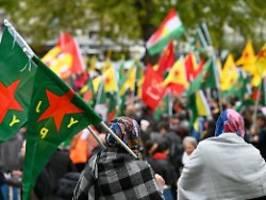 Zehntausende in Köln erwartet: Polizei warnt vor Gewalt bei Kurden-Demo
