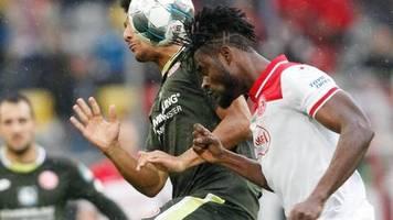 Fußball-Bundesliga: Hennigs beendet Düsseldorfer Negativserie - Sieg gegen Mainz