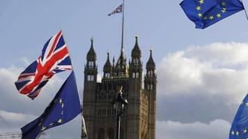 Streit um Wirtschaftspolitik: Richtungskampf in London: Was will Johnson nach dem Brexit?