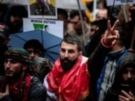 Prokurdische Proteste in Köln: Triefende Angelegenheit statt Horrorszenario