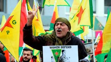köln: stoppt den krieg – kurden demonstrieren gegen türkische militäroffensive in syrien