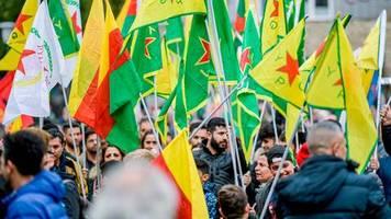 news vom wochenende: kurden-demonstration in köln kann starten