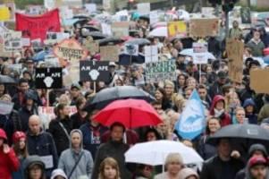 demonstrationen: 7300 menschen demonstrieren in hamburg gegen tierversuche