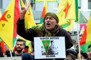 militäroffensive: kurden-demo in köln friedlich gestartet – 20.000 erwartet