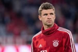 Fußball-Bundesliga: Müller in Augsburg erneut Bayern-Reservist - Martínez spielt