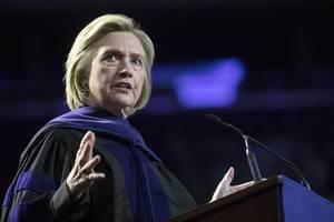 """""""Sie ist die Favoritin der Russen"""": Clinton attackiert Präsidentschaftskandidatin"""