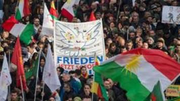 polizei-großeinsatz in nrw: kurden-demo in köln gestartet