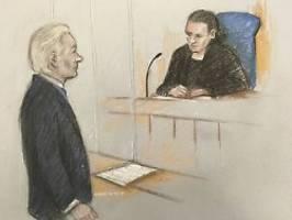 Anhörung wird nicht verschoben: Assange wirkt vor Gericht verwirrt