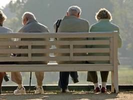 Schrumpfendes Rentenniveau: Bundesbank drängt zur Rente mit fast 70