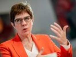 Verteidigungsministerin stößt Debatte um Nato-Einsatz in Nordsyrien an