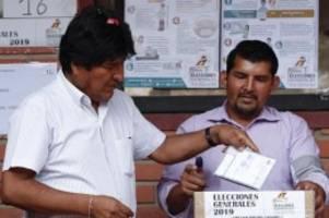Stichwahl wahrscheinlich: Morales führt bei Wahl in Bolivien