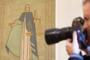 Prozesse: Hundehalterin unberechtigt gefesselt? Polizisten vor Gericht