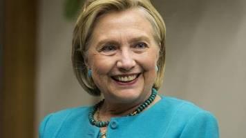 «Seien Sie kein Arsch, ok?»: Hillary Clinton verspottet Trump mit falschem Kennedy-Brief