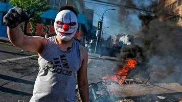 Schwere Unruhen: Südamerikas (fragiles) Vorzeigeland geht in Flammen auf - das passiert gerade in Chile