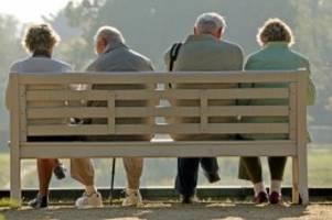 Renteneintritt: Rente mit fast 70? Bundesbank schlägt Altersanhebung vor