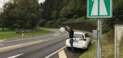 zürich: bettler passen mit dreister masche autofahrer ab