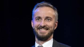 Satiriker: Böhmermann will weiter SPD-Chef werden