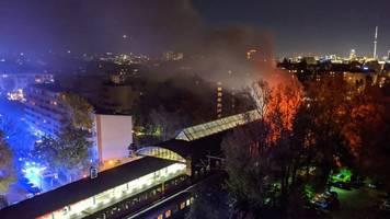 An Berliner S-Bahnstation - Brand in Sonderzug aus Freiburg: Defekt als Ursache vermutet
