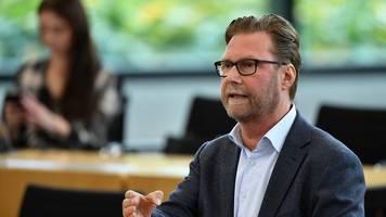 Auch Grünen-Spitzenkandidat Adams im Wahlkampf bedroht