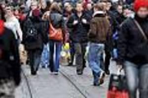 Civey-Umfrage - Migration, Glaube, Klima: Über diese Themen schweigen die Deutschen lieber