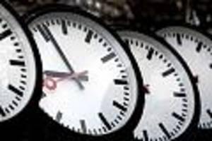 Zeitumstellung 2019 - Die Winterzeit beginnt - werden die Uhren vor- oder zurückgestellt?