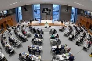 Landtag: Landtagssitzung beginnt mit Appell gegen Antisemitismus