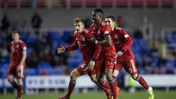 Spiel gegen Nachwuchs des FC Bayern: Piräus-Hooligans stürmen Platz