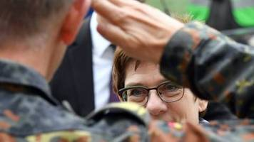 Kramp-Karrenbauer strebt UN-Mandat für möglichen Syrien-Einsatz an