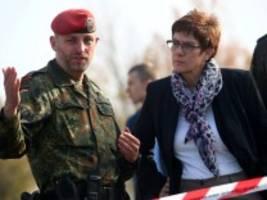 Verteidigungsministerin: Kramp-Karrenbauer wirft der Türkei Annexion in Syrien vor