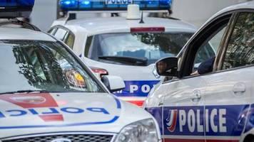 news von heute: mindestens ein mann in museum in südfrankreich verschanzt