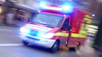 Drei Polizisten bei Streit unter Männergruppen verletzt