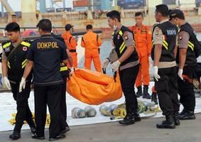 Abschlussbericht vorgestellt - Boeing für Absturz in Indonesien mit 189 Toten verantwortlich