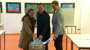 Video: Thüringens Spitzenkandidaten geben Stimme ab