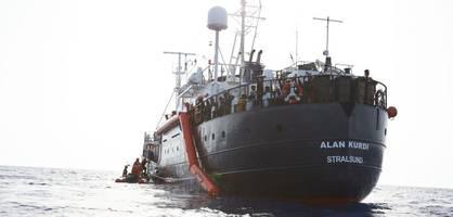 """""""alan kurdi"""" fährt eigenmächtig in italienische hoheitsgewässer ein"""