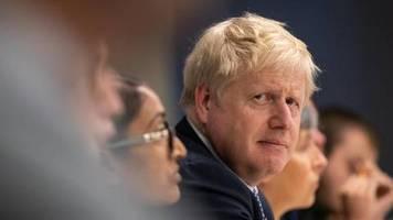 Ich bin sehr, sehr enttäuscht: Boris Johnson entschuldigt sich für Brexit-Verzögerung - und schiebt die Schuld auf andere