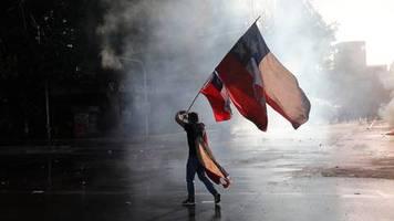 Proteste gegen das System: Ein böses Erwachen: Wofür die Menschen in Chile (immer noch) auf die Straße gehen