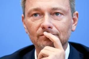 fdp-chef: lindner darf nicht in uni hamburg reden – nun redet er davor