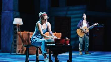 musical ghost feiert premiere in stuttgart