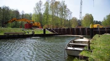 Schleuse arbeitet: Wasserweg Berlin-Seenplatte wieder frei