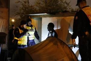 polizei räumt flüchtlingscamps im norden von paris