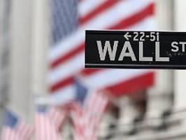 Wall Street bewegt sich kaum: Bilanzsaison zeigt Licht und Schatten