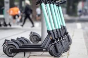 Verkehr: Senat macht Vorgaben für E-Tretroller-Stellflächen
