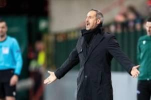 Europa League: Eintracht-Trainer Hütter übt heftige Schiedsrichterkritik