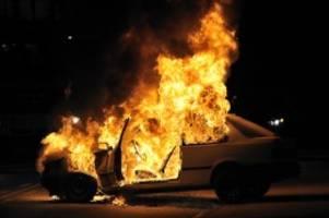 hamburg: feuer aus rettungsleitstelle entdeckt – drei autos in brand