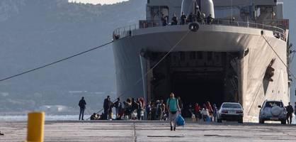 griechen wehren sich gegen ansiedlung von migranten