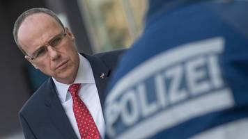Hessens Innenminister: Gewalttaten im Sport stärker ahnden